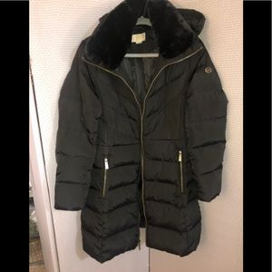 Michael Kors women puffs coat M